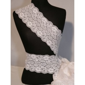White Ditsy Flower Lace Trimming SY74 WHT